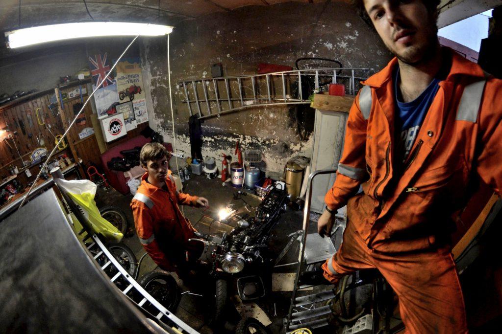 Le garage associatif fabrique m canos for Garage associatif ramonville