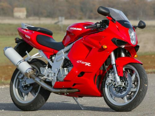 Top des motos à NE PAS acheter ! Hyosung_GT650R_Comet_st2mz